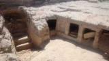 В Єгипті знайшли гробниці бідняків