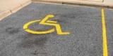 Закон про збільшення штрафу за паркування на місцях для інвалідів набув чинності
